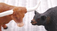 Benzinga's Bulls And Bears Of The Week: Apple, Costco, FedEx And More