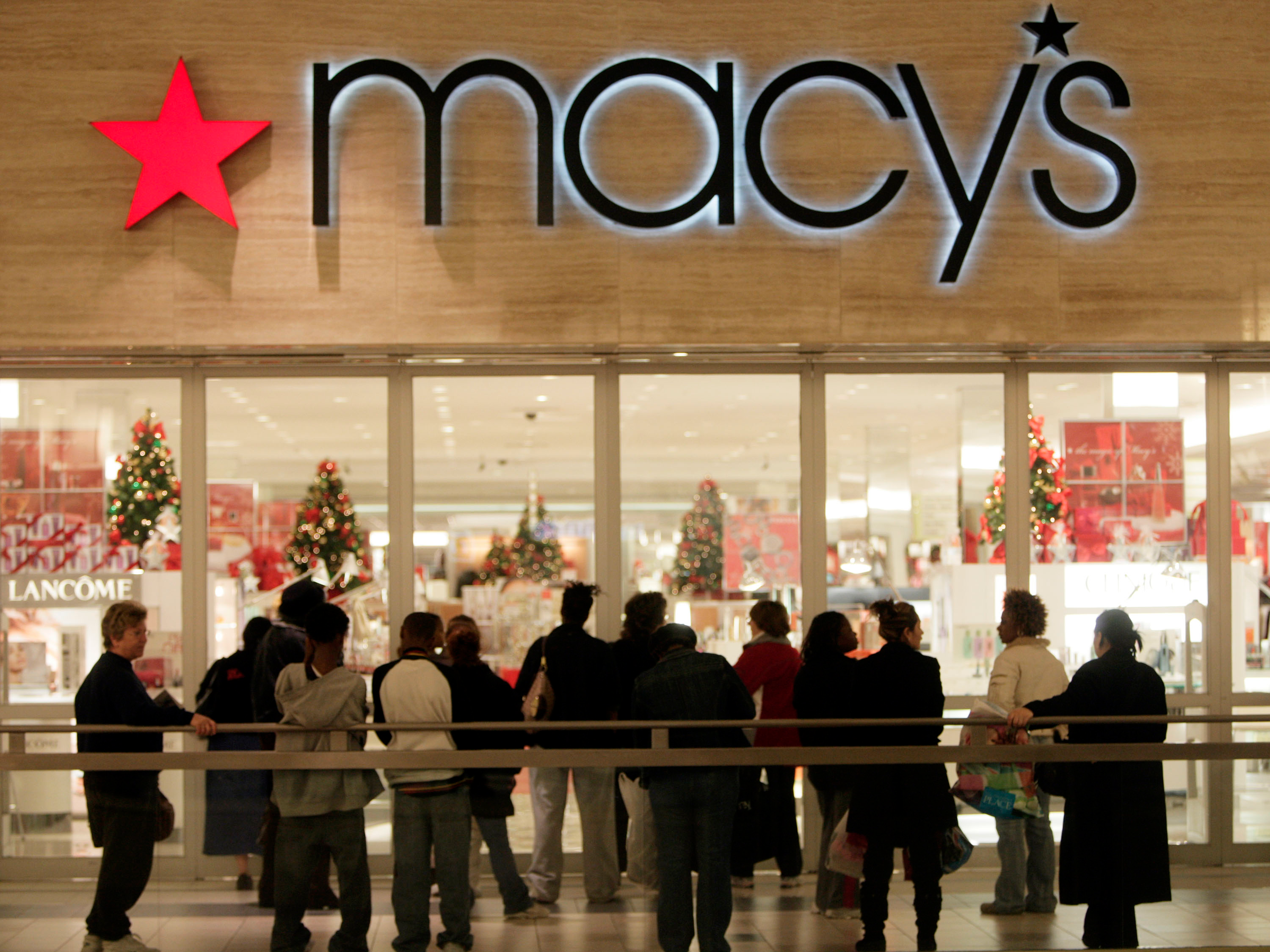 It\'s March and Macy\'s and JCPenney are still desperately trying to ...