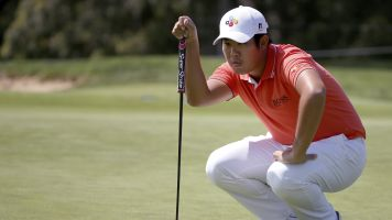An takes 1-stroke lead at Australian Open with late eagle