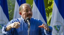 Partidarios de Ortega pintan templos católicos nicaragüenses con propaganda