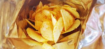 Learn how to seal a bag of crisps with this simple hack