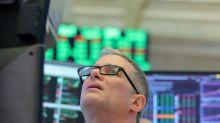 Ibovespa cai pressionado por bancos e ações atreladas a commodities