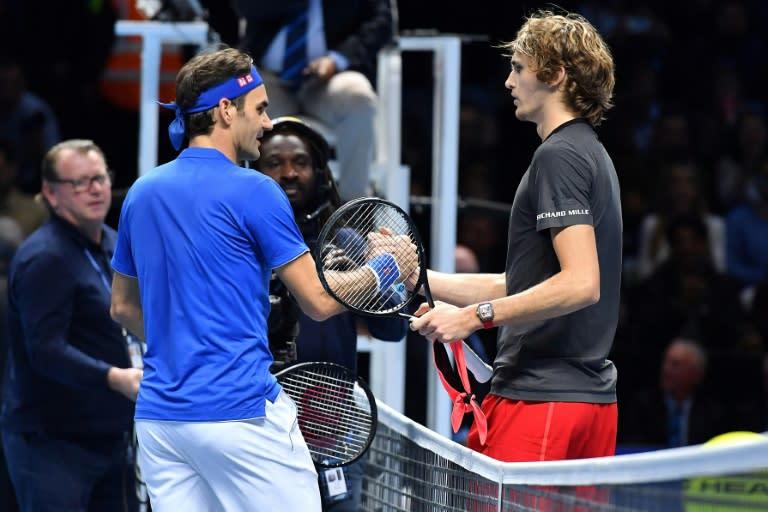Le Suisse Roger Federer et l Allemand Alexander Zverev après leur demi- finale du Masters, le 17 novembre 2018 à Londres c94d81f9c552