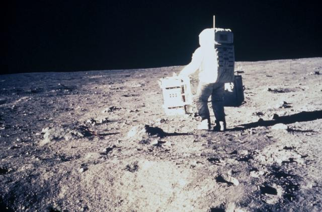 The ESA wants to put people on the moon by the 2020s