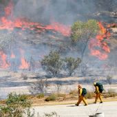 Wildfire Near Los Angeles Spreads to 20,000 Acres