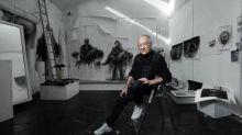 """""""Mes images suintent des murs"""" : Ernest Pignon-Ernest, pionnier du street-art et artiste engagé, ouvre son cœur dans son atelier à Ivry"""