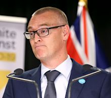 'Idiot' New ZealandMinister Demoted After Driving Family to Beach inLockdown