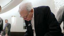 8 great quotes from Warren Buffett's newest shareholder letter