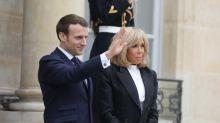 Emmanuel et Brigitte Macron : leur service en porcelaine dévoilé au public après la polémique