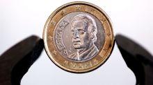 El euro baja a 1,1615 dólares