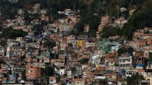 Tráfico e milícia aproveitam pandemia de coronavírus para disputar favelas no RJ
