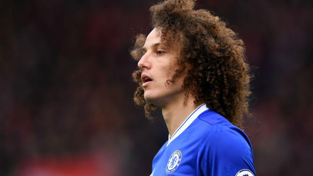 Chelsea's David Luiz does not need knee surgery