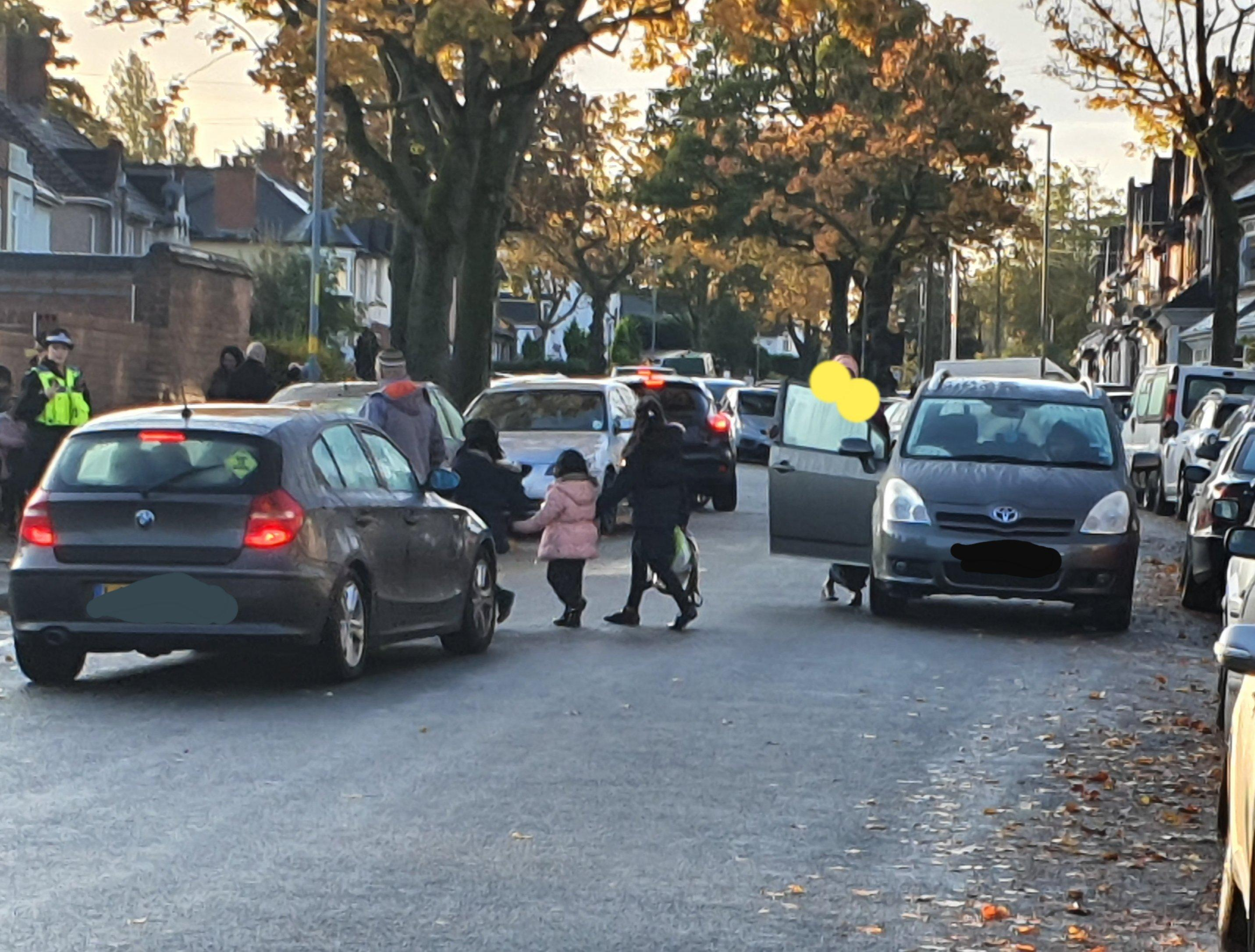 Police slam parent for parking outside school despite living 200m away