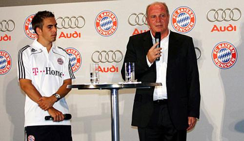 """Bundesliga: Lahm: """"Uli Hoeneß ist noch zu tatkräftig, um loszulassen"""""""