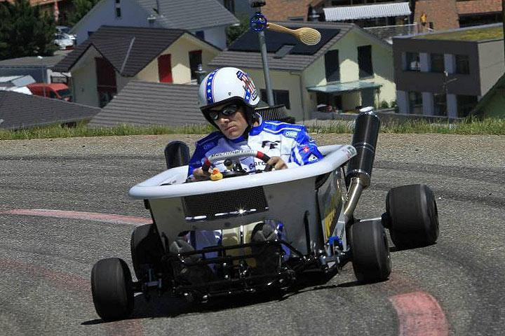 This Go Kart Might Be The World S Fastest Bathtub