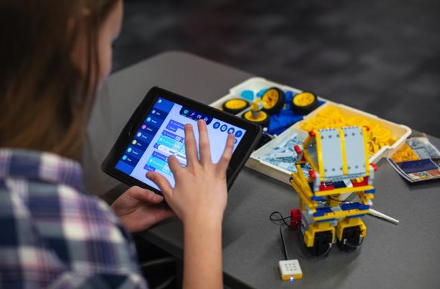 This virtual robotics camp is launching just in time for summer