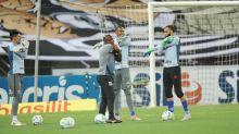 Cuca elogia João Paulo e destaca goleiros: 'Estamos bem servidos'