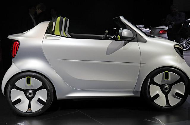 Smart unveils its oh-so-cute Forease urban EV concept