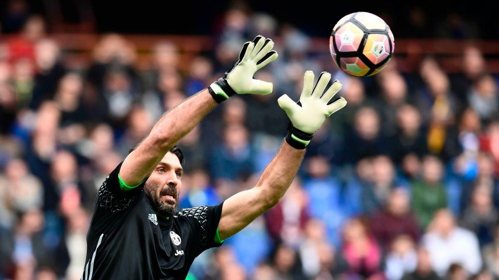Juventus, altro record per Buffon: 39.681 minuti in bianconero, nessuno come lui