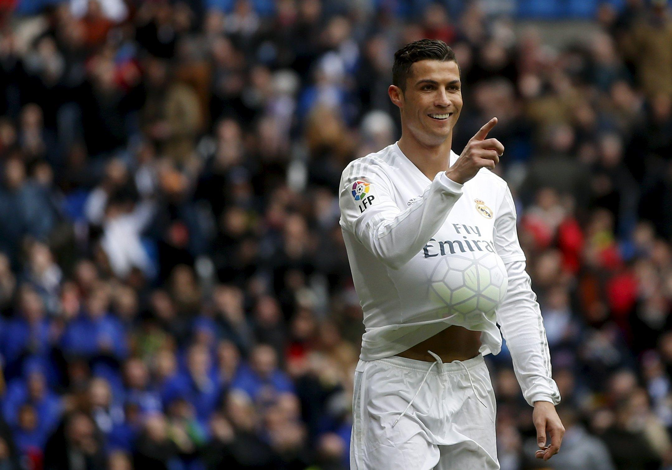 Cristiano Ronaldo Scores Four Goals In Real Madrid S 7 1 Rout Of