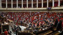 Le Parlement adopte définitivement le projet de loi étendant le pass sanitaire