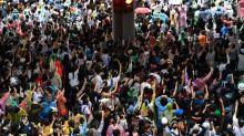 Bras de fer entre la police et des centaines de manifestants pro-démocratie à Bangkok