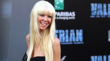 Tara Reid Hits Red Carpet With a Whole New Look -- See Her Striking 'Do