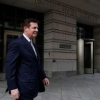 Trump ex-aide Manafort accused of bank fraud in bail offer: document