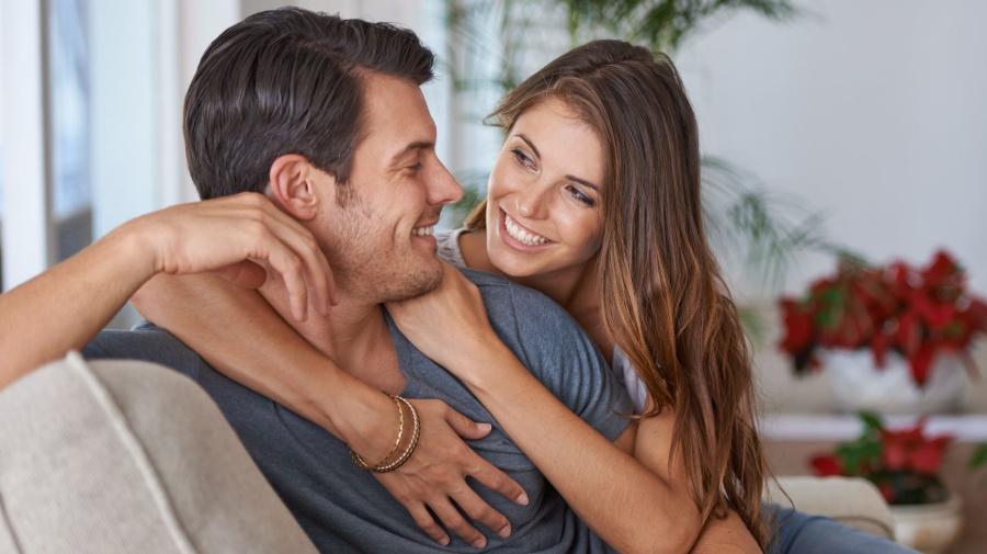 Man seeks help to decide between 'gorgeous' women