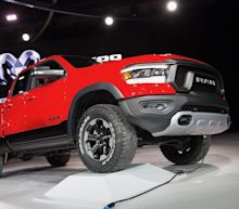 '2 Dudes' see big trends at the Detroit auto show