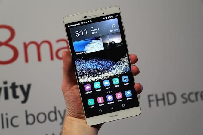Huawei unveils a giant version of its high-end P8 smartphone