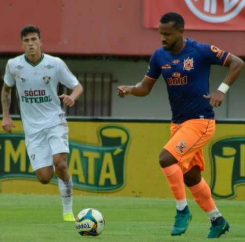 Com destaque e invicto pelo Nova Iguaçu, Bruno Simões celebra fase da equipe