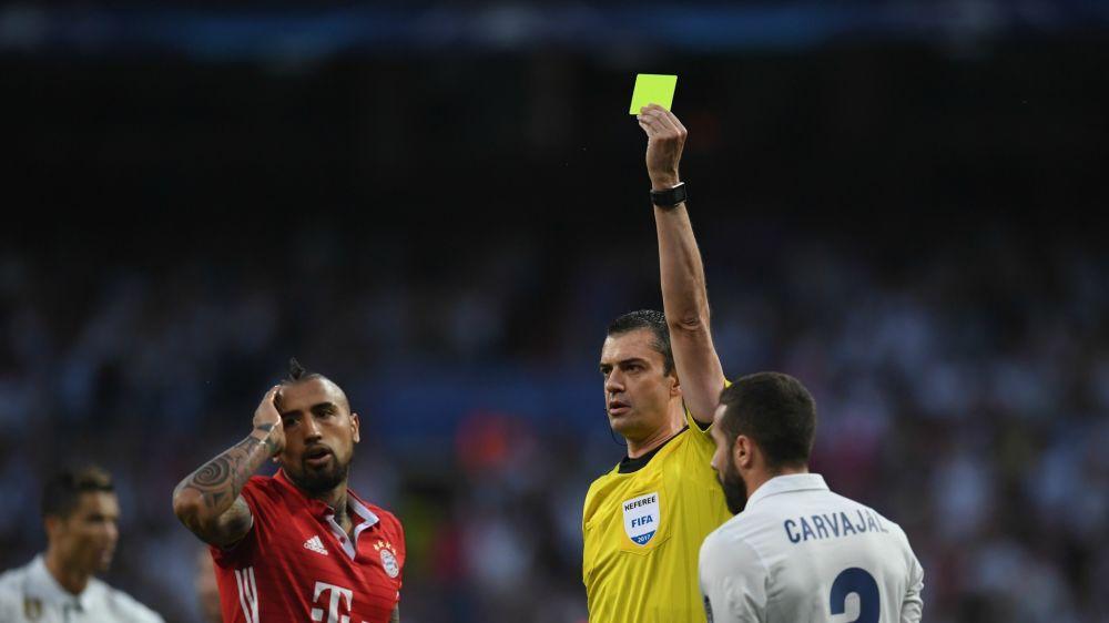 Arturo Vidal, suspendido para las semifinales de la Champions