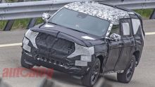 [UPDATE] Three-row Jeep Grand Cherokee sheds camo in new spy photos