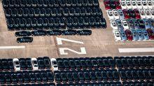 Bolton: US-Strafzölle auf deutsche Autos nicht vom Tisch