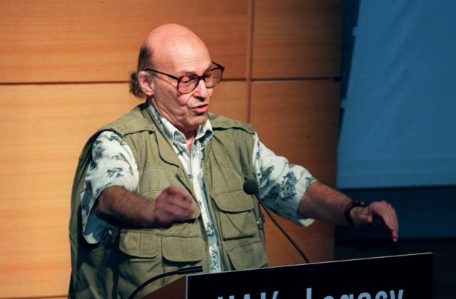Marvin Minsky, A.I. pioneer, dies of brain hemorrhage at 88