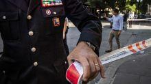 Bomba carta davanti casa padre, 20ennearrestato nel Napoletano