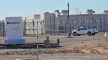 Desvelan plan para erigir centro detención de migrantes en zona contaminada