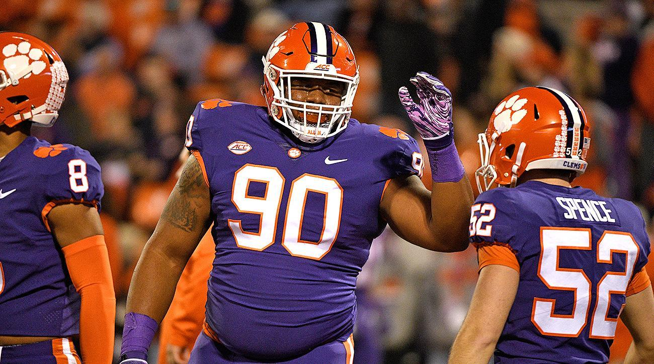 With Suspension Looming, Dexter Lawrence Doing All He Can ...