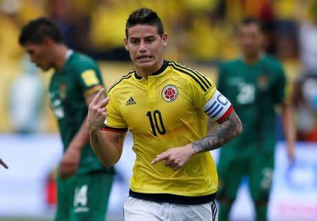 James Rodríguez comemora gol da Colômbia contra a Bolívia