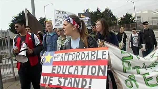 CCSF students, teachers rally to save school