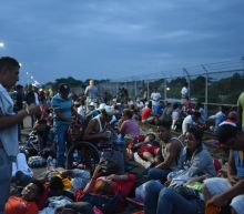 Thousands of Central American migrants stranded on Mexican border