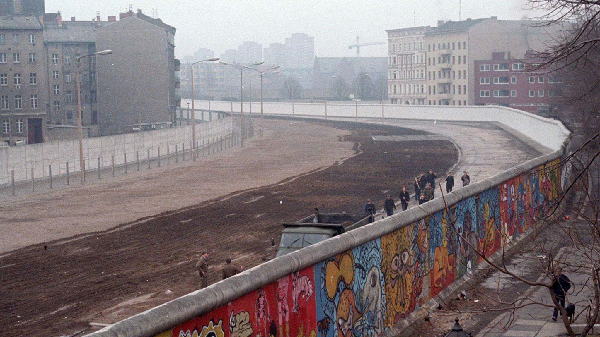 Young Womans Berlin Wall Diary Revealed