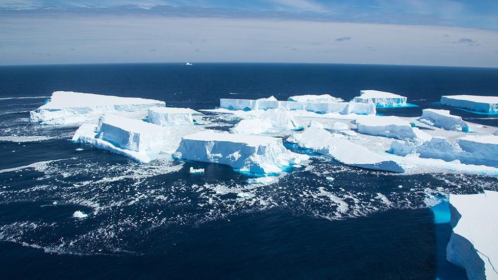 Split signals end for remnant of Antarctic iceberg A68a