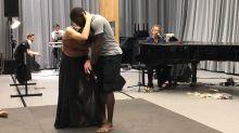 """""""La boxeuse amoureuse"""" à La Seine Musicale : mélange inattendu de boxe et de danse sur une musique d'Arthur H"""