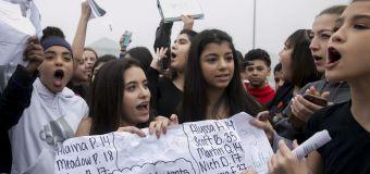 Schools are suspending kids for gun control walkouts