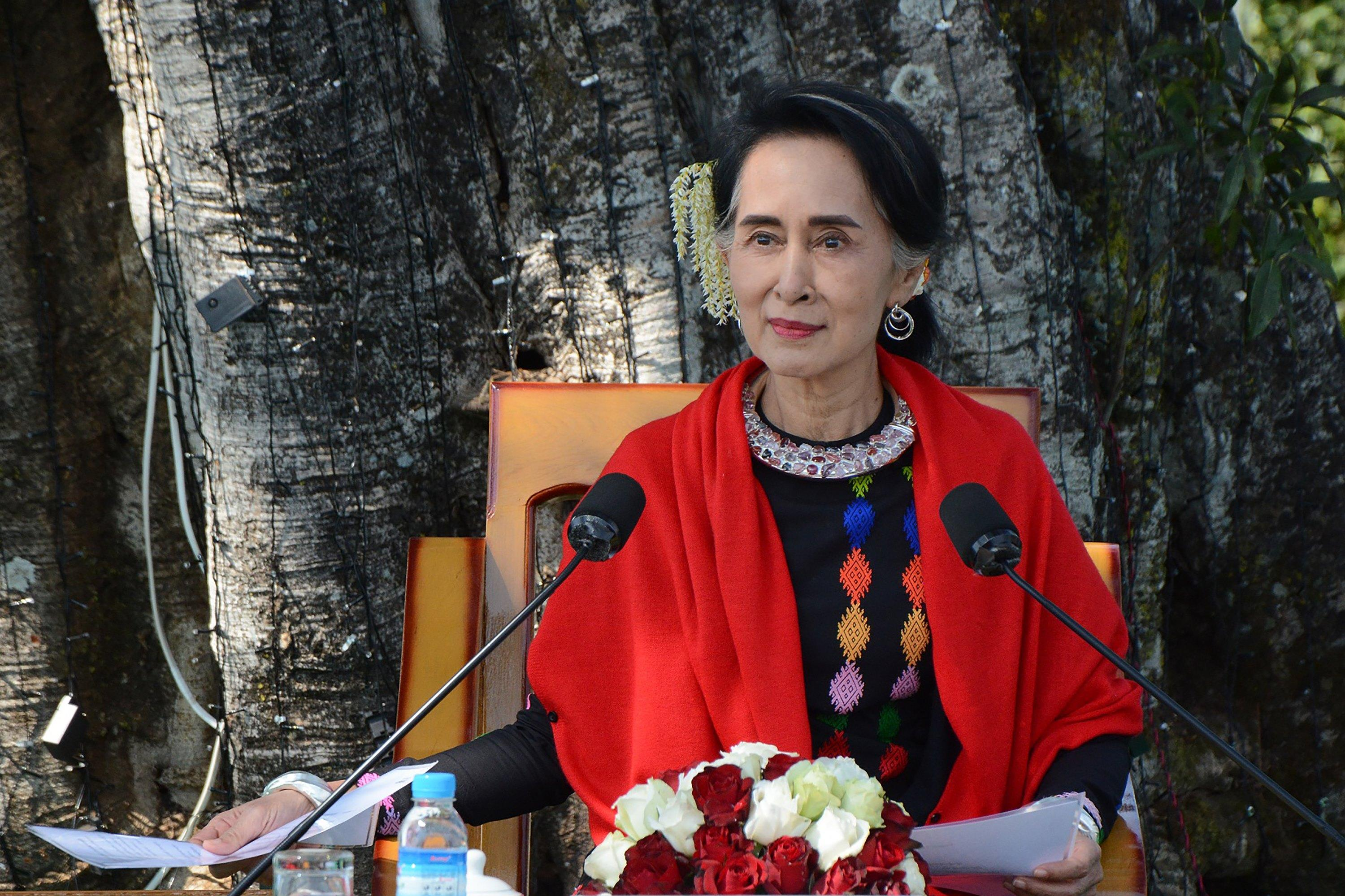 Aung San Suu Kyi Had a Plan to Bring Peace to Myanmar. But Convincing  Others Hasn't Been So Easy