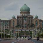 Anwar warns Malaysia PM seeks emergency law to keep power