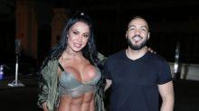 Gracyanne Barbosa rouba a cena com look exótico no Rio