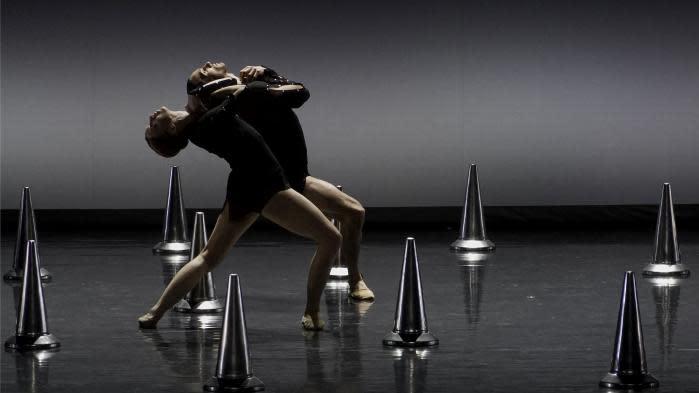 """""""Sinfonia"""" ou la noirceur du confinement : le dernier ballet """"enragé"""" de Thierry Malandain a été présenté en Espagne"""